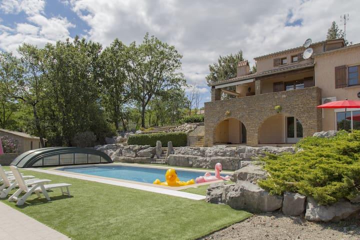 vakantiewoning met privaat zwembad