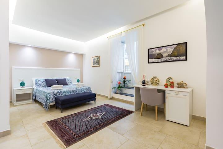 Casetta Fuoro Guest House