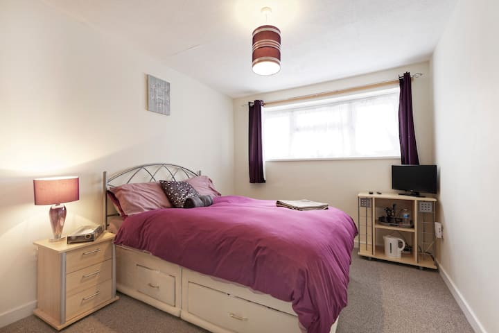 Lovely, Cosy and Spacious double room in Chatham