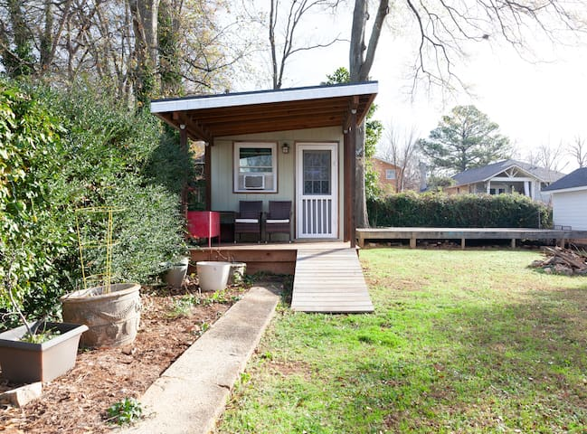 Tiny house in Kirkwood near East Lake MARTA
