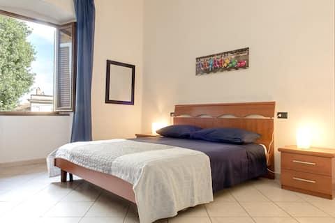 Apartamento confortável de dois quartos em Castelnuovo della Misericordia.