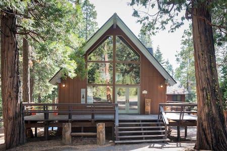 Charming Rustic Tahoe Vista Cabin