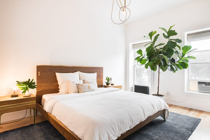 Airy, modern apartment in a Brooklyn Brownstone