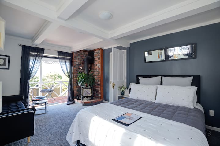 Melrose Haven B&B:  self-contained suite with spa
