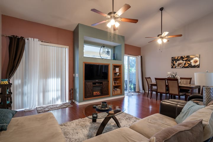 Spacious Clearwater Home W/ Pool!! Great Location!