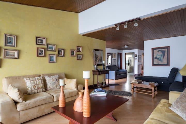 Room near T zone / Habitación / Great location