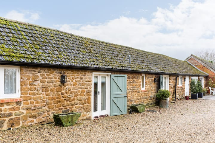 Stable Cottage, Claydon, Nr Banbury on one floor.