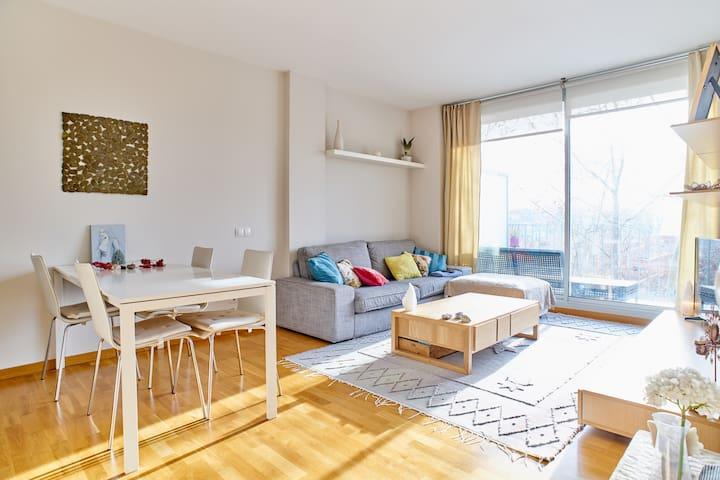 Habitación privada con cama doble y baño privado