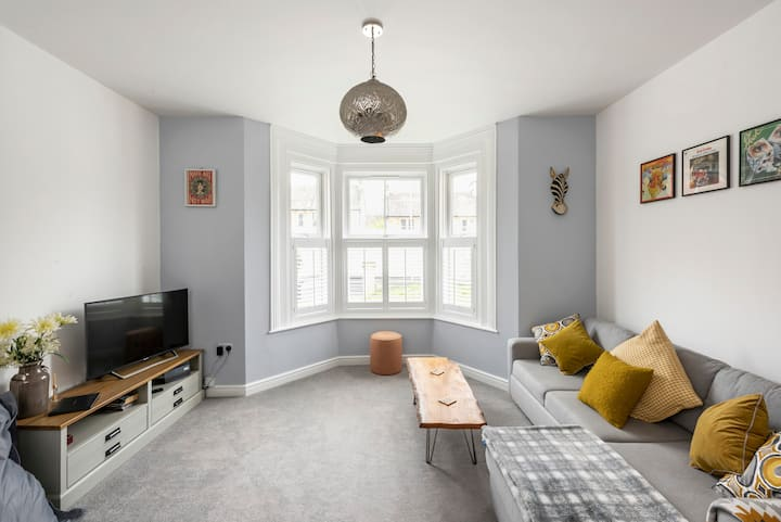 Newly Converted Victorian Apartment Near Bath