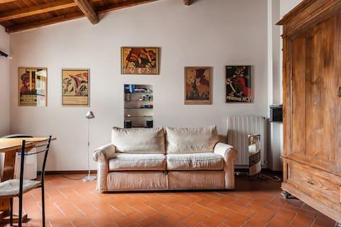 Location! Location! Location! Iconic Pisa loft