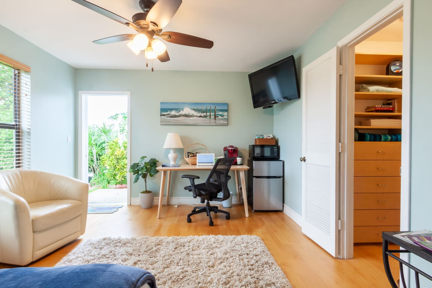 Private newly renovated bedroom suite with separate entrance for your convenience