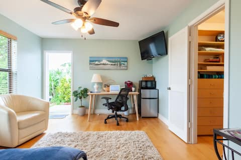 Private Suite mit neuem Schlafzimmer und Bad: Spaziergang zum Strand