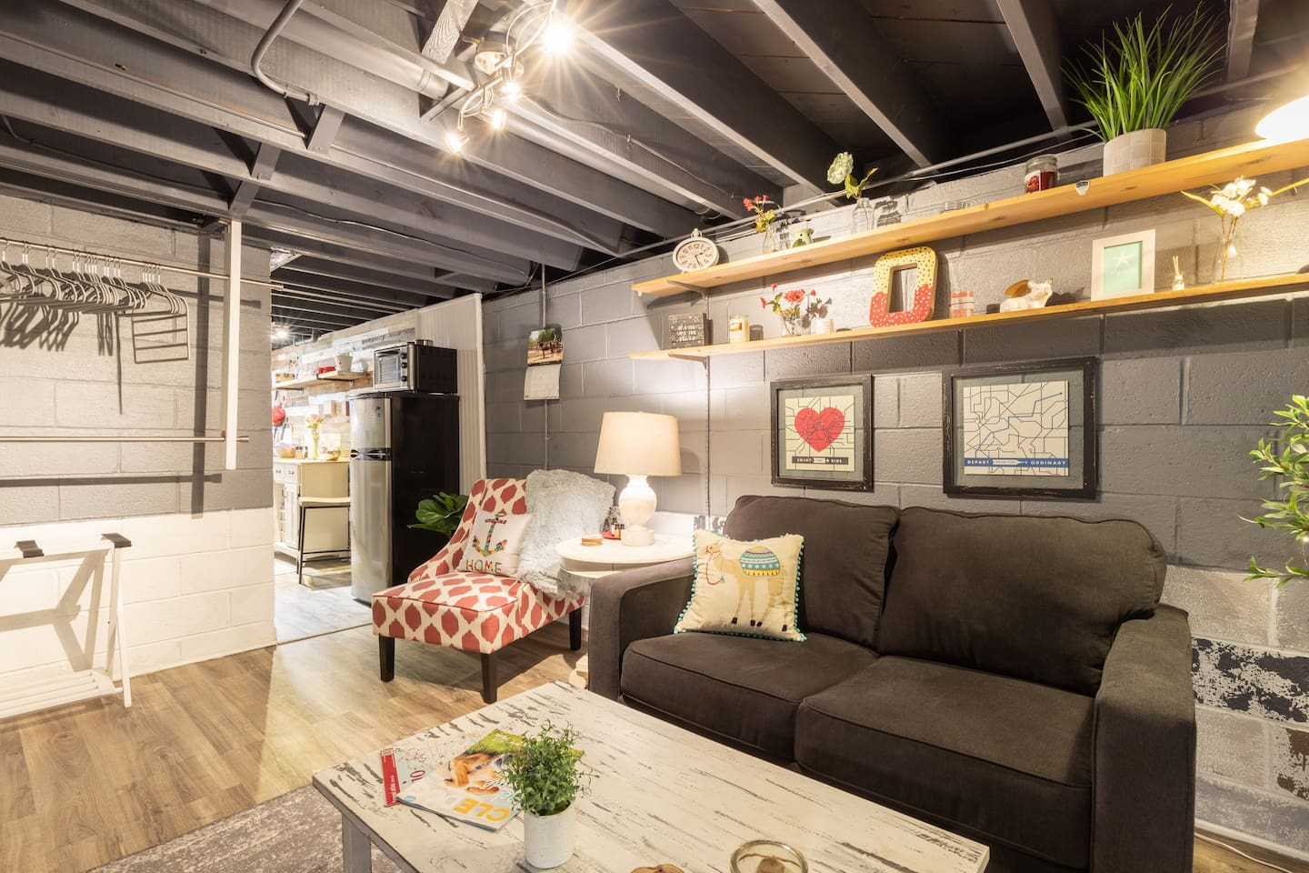 """This space is equipped with a 42"""" smart tv, netflix and some local channels. Full length mirror, luggage rack, Queen size bed, pull out twin bed."""