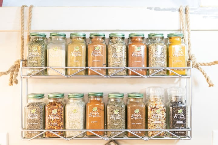 complete organic spices for your cooking pleasure.
