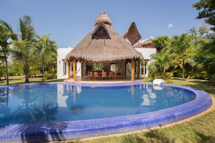 Casa Caleta Akumal Villa en la Laguna Yalku $