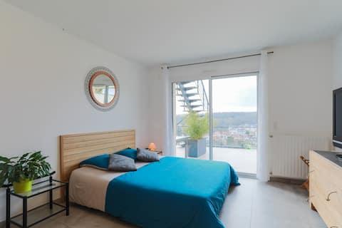 Quiet Studio with Terrace & Panoramic View