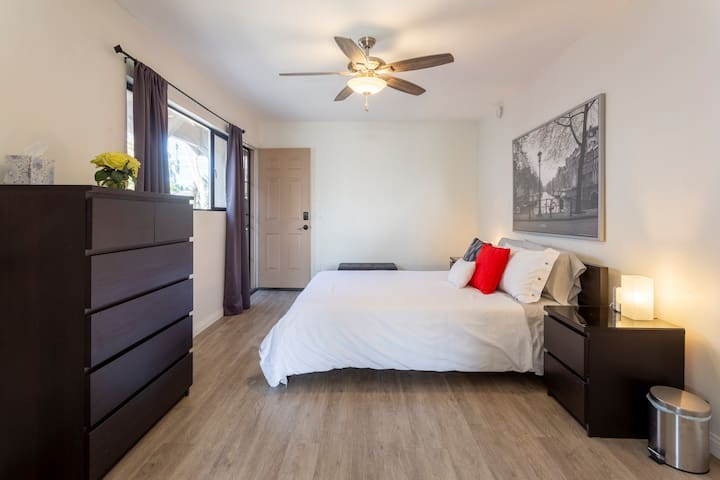 New and Spacious Guest Suite, Close to Everything