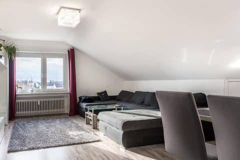 Komfortabel leilighet med utsikt over Alpene