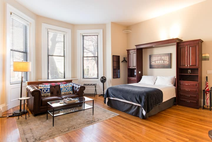 Cozy - Comfy Studio in Back Bay! (w/ Free Parking)