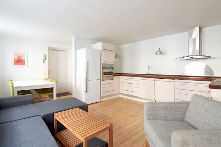 Charming Apartment Latin Quarter close to Tivoli