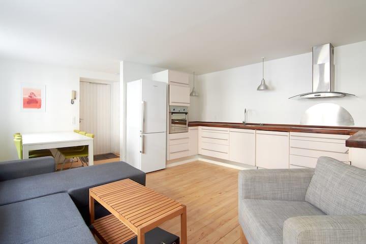 Charming Apartment Latin Quarter close to Tivoli