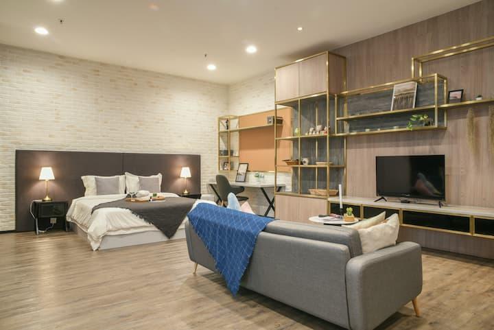 吉隆坡 60m2 五星公寓 3km到谷中城 旧巴生路 饮酒美食天堂