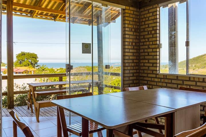 Casa de praia, na praia do Siriu, Garopaba, SC