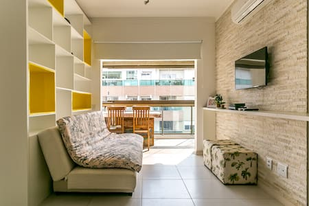 Elegant flat next to the beach