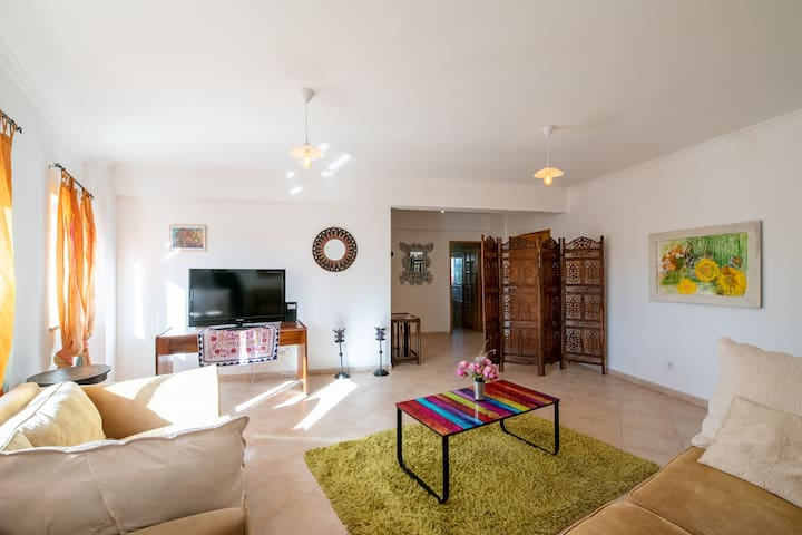 Downtown Silves Apartment - 2 Double Bedrooms