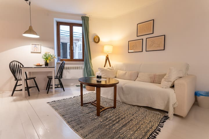Lanterna Old Town Apartment
