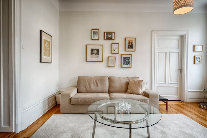 Exclusive & light 3 room appartment in SoFo, 97sqm