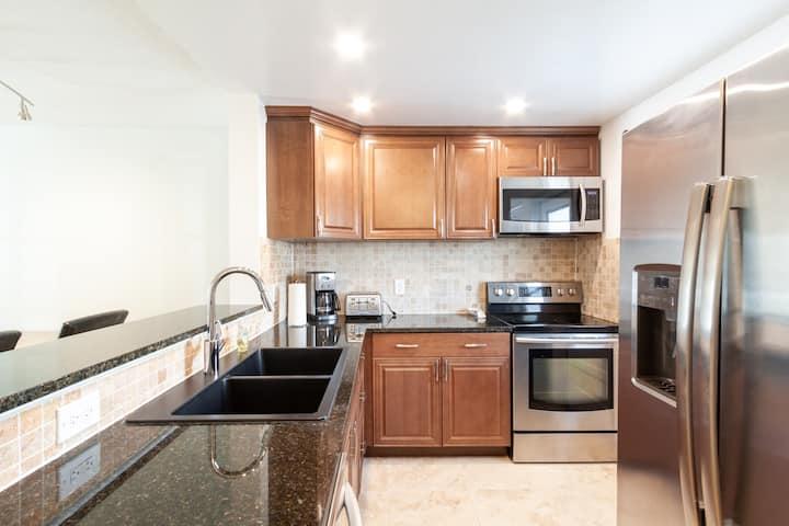 High Quality Apartment, Heated Pool Close  toBeach