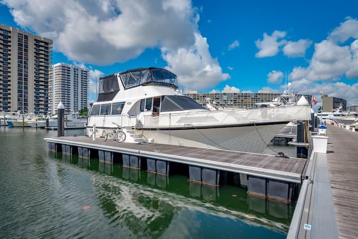 La Dolce Vita! Motor Yacht