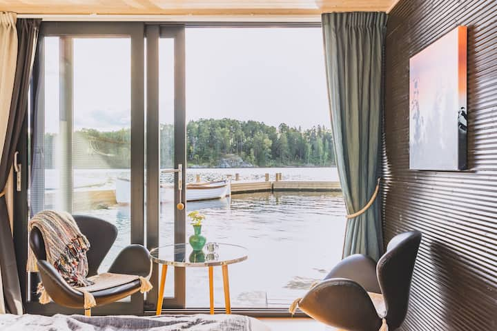 The Jetty Retreat with Canoe and Sauna