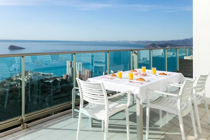 Penthouse VIP with sea views - 42nd Floor