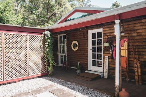 Springbrook Log Cabin Retreat - prekrasno mjesto.