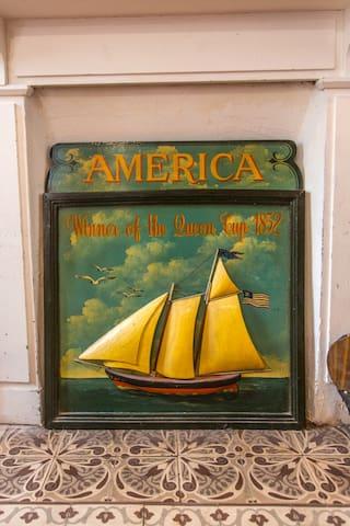 Plaque décorative de la cheminée qui fonctionne