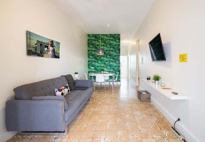 4BR Bright City Apartment in Santurce