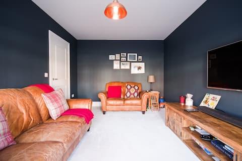 Άνετο δίκλινο υπνοδωμάτιο στο ModernDetached House