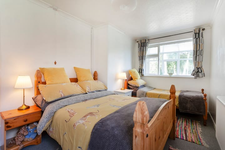 Please enjoy all our comfy, cosy Bungalow offers.