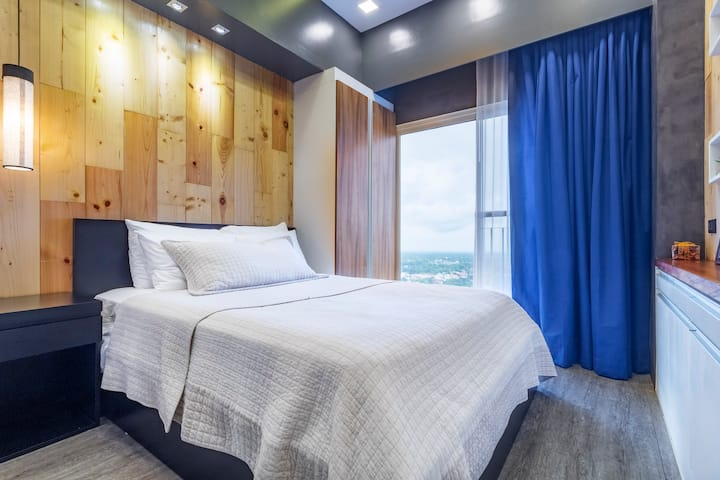 Rastique Suite - An Ultra Modern Rustic Experience