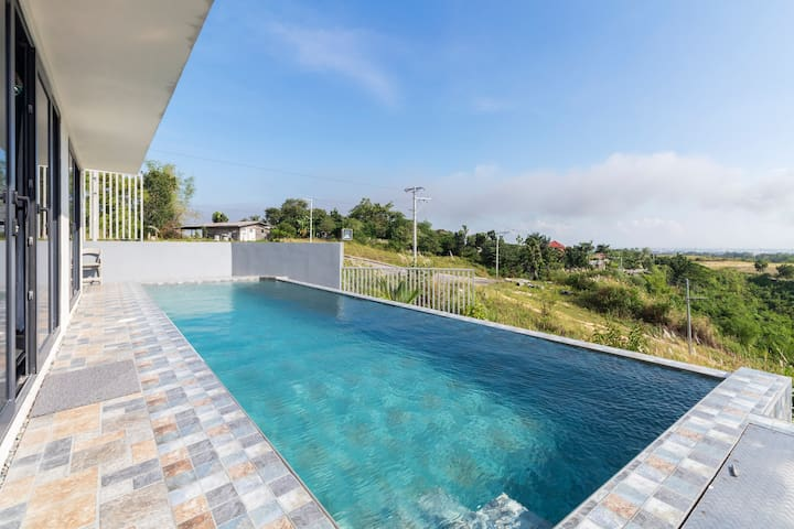 ❤️4BR Infinity Pool Villa: XBOX, Netflix, Skyviews!