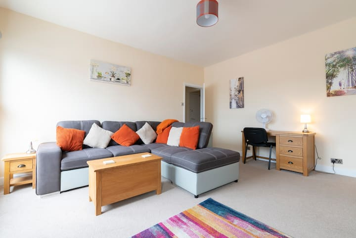 Beautiful apartment-5 minutes walk to city centre