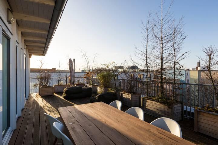 Luxury Designer Loft Penthouse near Kudamm
