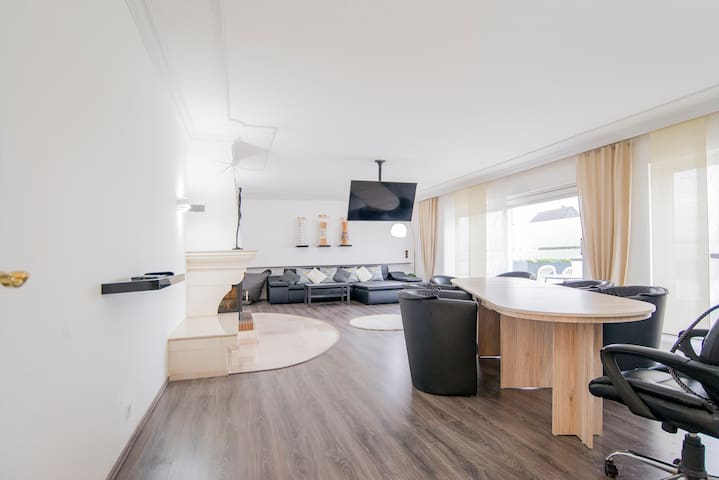 180 m² apartment • 20 min to Dusseldorf or Cologne