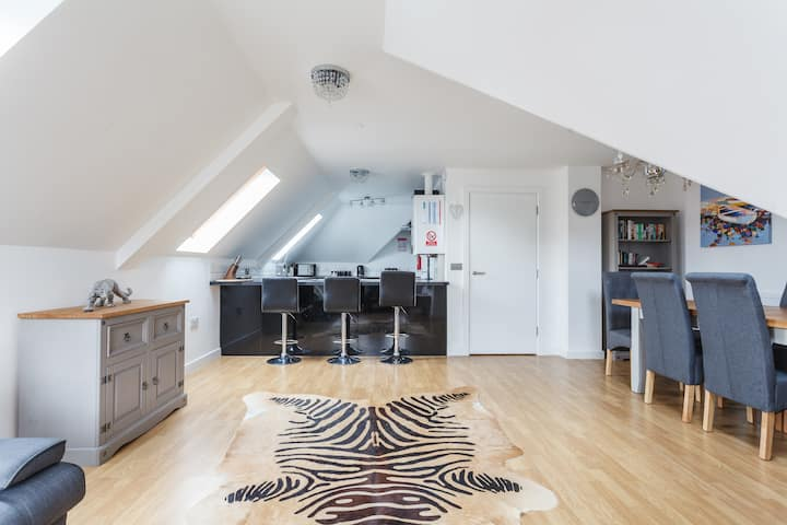 Rare Find- Stunning Penthouse 300 yards to beach