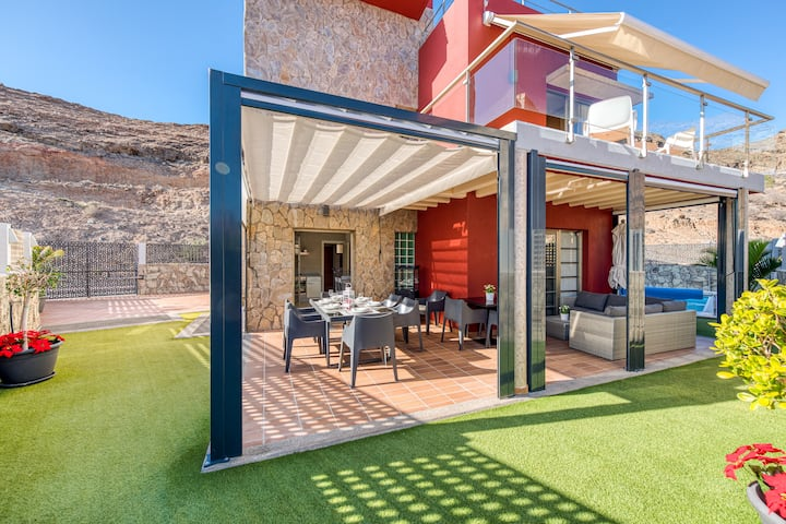 Luxury Villa in Tauro with heated pool & BBQ