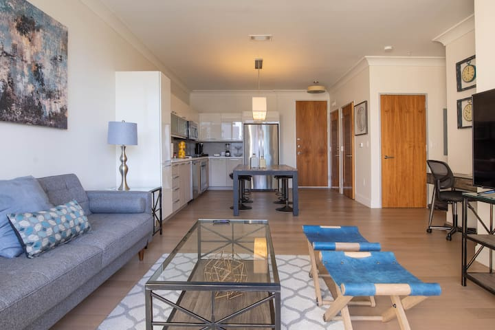 ** The most luxurious location in River Oaks**