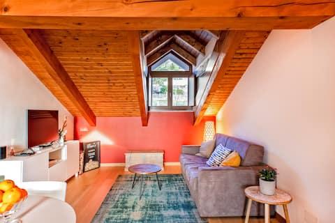 Ylellinen 2,5 huoneen huoneisto Monforte d 'Alban keskustassa