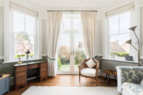 Elegant Victorian Apartment
